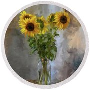 Five Sunflowers Centered Round Beach Towel