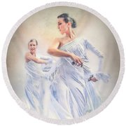 Flamenco In White Round Beach Towel