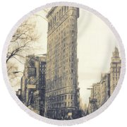 Flat Iron Building North Side - Sketch Round Beach Towel