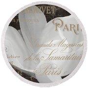 Fleurs Blanc Magnolia Round Beach Towel