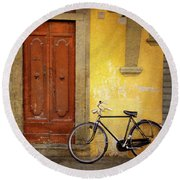 Round Beach Towel featuring the photograph Florence Bicycle Under The Sun by Craig J Satterlee