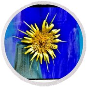 Flower With Spikes Round Beach Towel