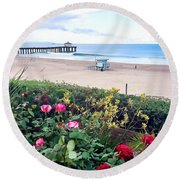 Flowers Of Manhattan Beach Round Beach Towel