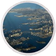 Flying Into Sydney Round Beach Towel