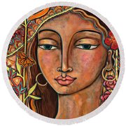 Focusing On Beauty Round Beach Towel