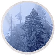 Round Beach Towel featuring the photograph Fog On The Mountain by John Stephens