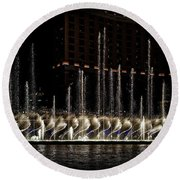 Fountain At Bellagio 5 Round Beach Towel