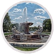 Fountain - Cleveland Museum Of Art Round Beach Towel