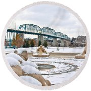 Fountain In Winter Round Beach Towel
