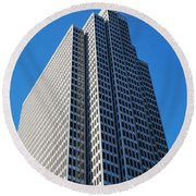 Four Embarcadero Center Office Building - San Francisco - Vertical View Round Beach Towel