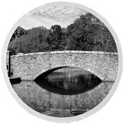 Freedom Park Bridge In Black And White Round Beach Towel