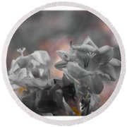 Freesia'a Without Colour Round Beach Towel