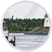 Friar's Head Lighthouse Round Beach Towel