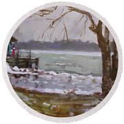Frozen Niagara River Round Beach Towel
