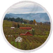 Fruit Orchard Farmland In Hood River Oregon Round Beach Towel