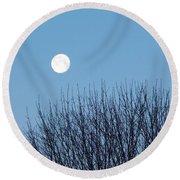 Full Moon At Dawn Round Beach Towel