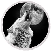 Round Beach Towel featuring the photograph Full Moon Howl by Steve McKinzie