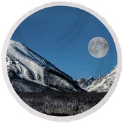 Full Moon Over Silverthorne Mountain Round Beach Towel