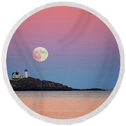 Full Moon Rising At Nubble Light Round Beach Towel