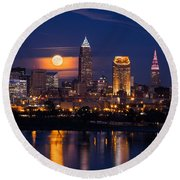 Full Moonrise Over Cleveland Round Beach Towel