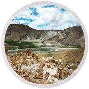 Garuda Valley Tibet Yantra.lv Round Beach Towel