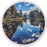 Gem Lake Reflections Round Beach Towel