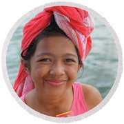 Genuine Smiles Are Simple Round Beach Towel
