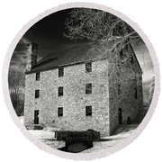 George Washingtons Gristmill Round Beach Towel
