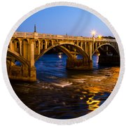 Gervais Street Bridge At Twilight Round Beach Towel