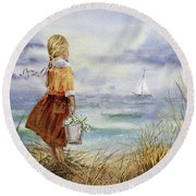 Girl Ocean Shore Birds And Seashell Round Beach Towel