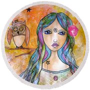 Girl With The Owl  Round Beach Towel