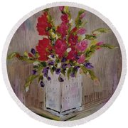 Round Beach Towel featuring the painting Gladiolus On Point by Judith Rhue