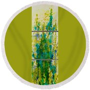 Glimpse Of Spring Round Beach Towel