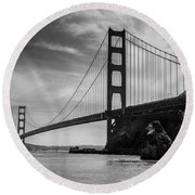 Golden Gate East Bw Round Beach Towel