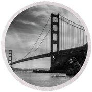 Golden Gate East Bw Round Beach Towel
