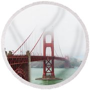 Golden Gate In The Fog Round Beach Towel