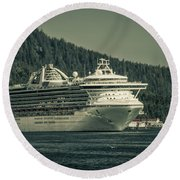 Golden Princess  Round Beach Towel