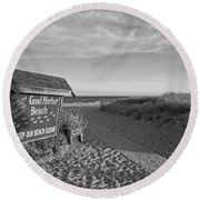 Good Harbor Sign At Sunset Black And White Round Beach Towel