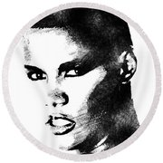 Grace Jones Bw Portrait Round Beach Towel