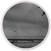 Grainy Wind Surf Round Beach Towel