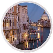 Round Beach Towel featuring the photograph Grand Canal Twilight by Brian Jannsen