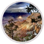 Grand Canyon In Winter Round Beach Towel