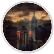 Round Beach Towel featuring the photograph Grandeur Of The Past - Empire State At Sunset by Miriam Danar