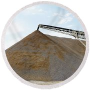 Gravel Mountain Round Beach Towel