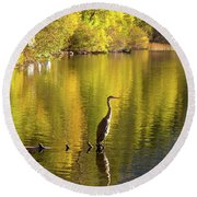 Great Blue Heron At Gull Lake Round Beach Towel