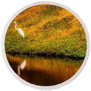Great Egret At The Lake Round Beach Towel
