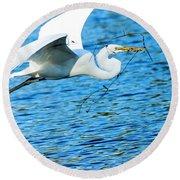 Great Egret Building Nest  Round Beach Towel