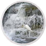 Great Egret Hunting At Waterfall - Digitalart Painting 4 Round Beach Towel