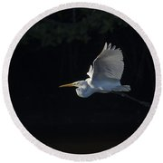 Great Egret In Morning Flight Round Beach Towel