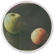 Green Apple And Tangerine Round Beach Towel